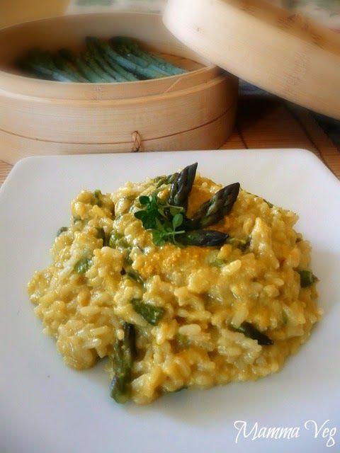 Mamma Veg: Risotto con asparagi al vapore e crema di semi di girasole allo zafferano