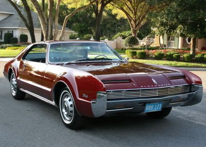 1966 olds toronado had a boss that had one of these even the same