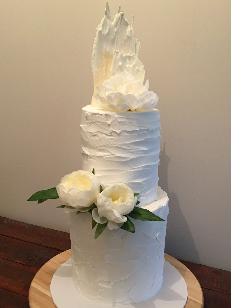 2 Tier - Rustic White Frosting  http://goldheartcakes.website/new-gallery/2017/6/24/9rj5rmk4s2wvm6n5m76bdqhir4ry5g