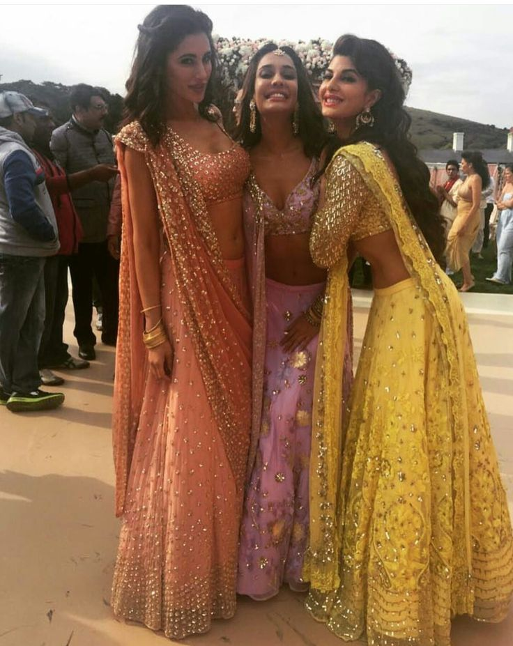 Jacquline Fernandez, Nargis Fakhri, Lisa Haydon wearing traditional outfits by Astha Narang at Housefull 3 shoot