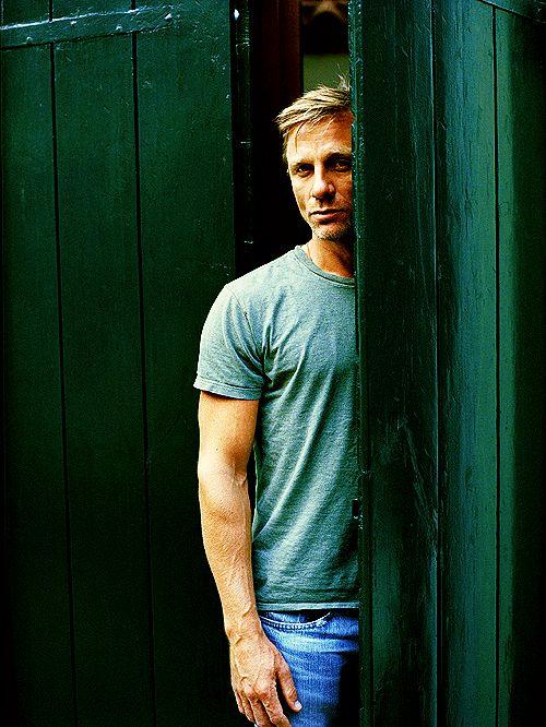 Gorgeous photo of a gorgeous man!