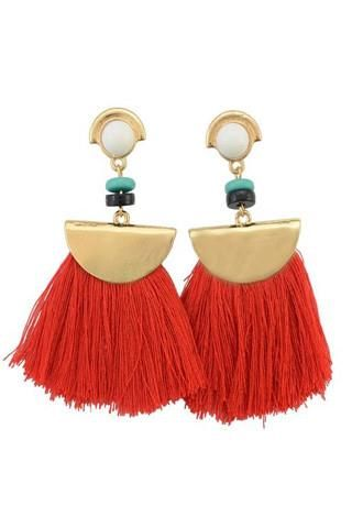 Spice up any outfit with these boho tassel red earrings. Material: Alloymental color : gold