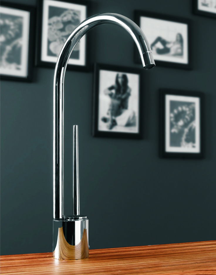 Tropic 66120   Modern Chrome Kitchen Faucet