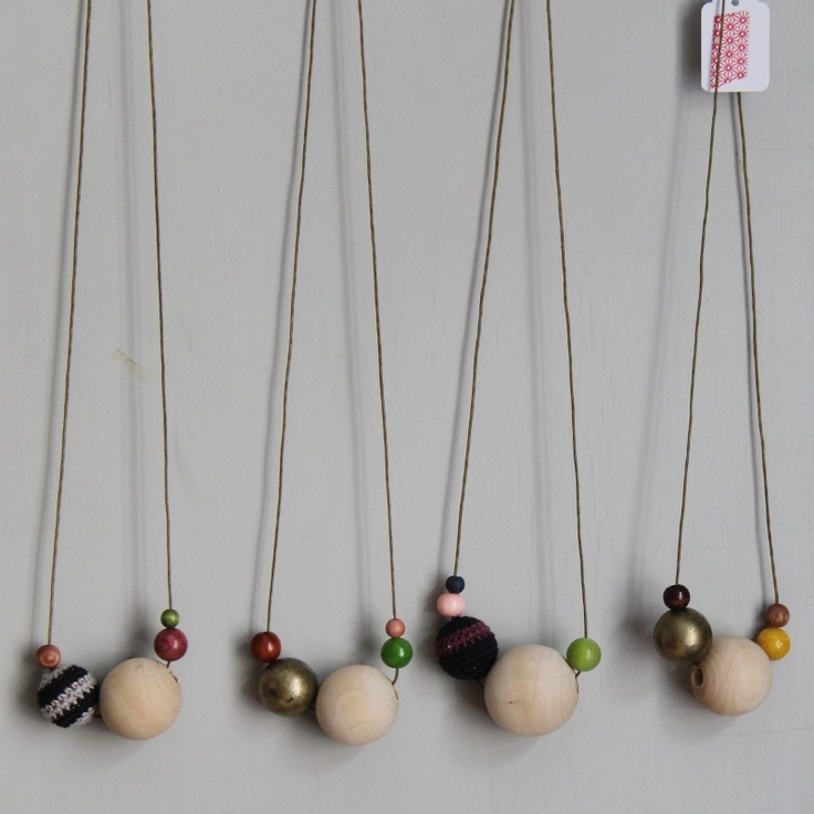 bobble necklace, brinja