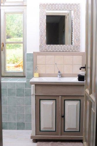 A Molnármester apartman egyik fürdőszobája / Bathroom in Miller's Home #homedecor #vintage