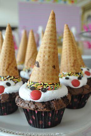 An diesem Wochenende gibt es einen Cupcake-Brownie zum Geburtstag unserer Nichte Misra.   – Doğum günü fikirleri