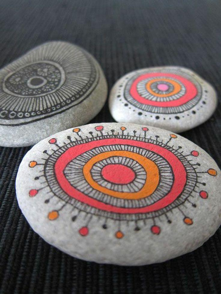 bemalte Mandala Steinchen selber machen