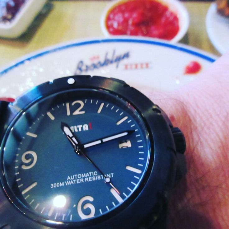 Greetings from DeltaT watch UMI 740 at the Brooklyn Diner NYC⌚🗽😁 #uigwatch #largegermanwatches #deltatwatch #nyc #brooklyn #diner #brooklyndiner #menswatch #divingwatch #diving #watch #watchesfrominstagram #watchporn #watchaddict #watchoftheday #mensstyle #mensfashionstyle #menstuff #mensfashion #menstyleguide #montre #montredesign #armbanduhr #uhren #reloj #relojes #orlogi #fashionwatch #luxurywatch #newyorkcity