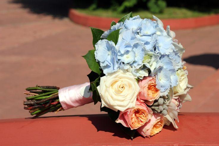 Букет невесты с голубой гортензией голубая гортензия свадьба цветы, пионовидная роза, бело-голубая свадьба, голубая свадьба, #wedding #bluewedding #hydrangea #bluehydrangea #bluebouquet #bouquet