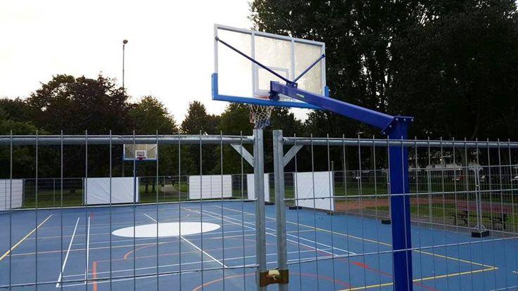 Onze professionele wedstrijd basketbalpalen outdoor. Absoluut een topproduct voor een zeer scherpe prijs!