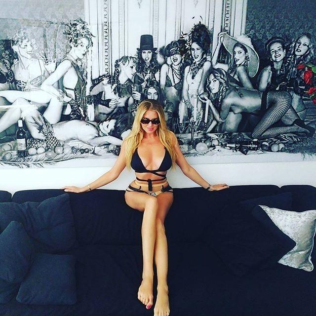 WEBSTA @ kapchuk - Art inside the art  #photography #art #ibiza #swimwear #girl #summer #potd #ибица #фотография #купальник