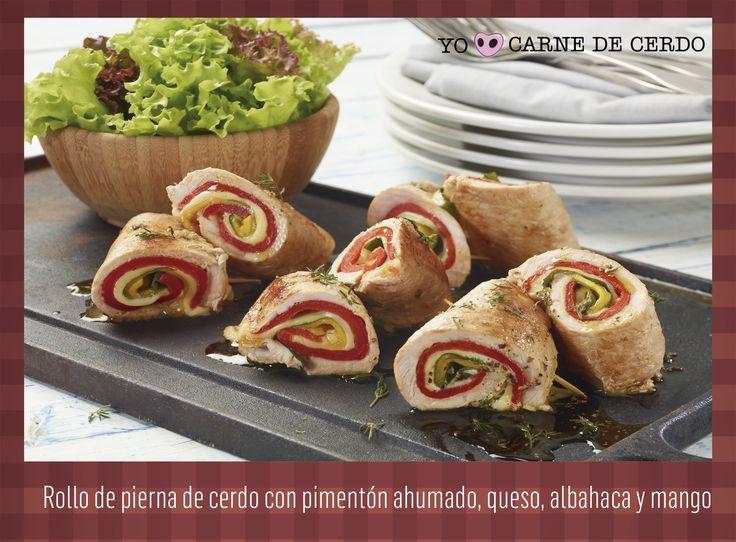 Rollo de pierna de cerdo con pimentón ahumado, queso, albahaca y mango.  Tomado de: www.meencantalacarnedecerdo.com