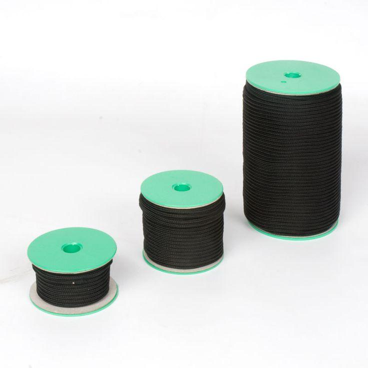 CORDÓN POLIÉSTER NEGRO - Cordón de poliéster color negro de 3 mm de grosor apropiados para todo tipo de aplicaciones: manualidades, juegos, bisutería, ...