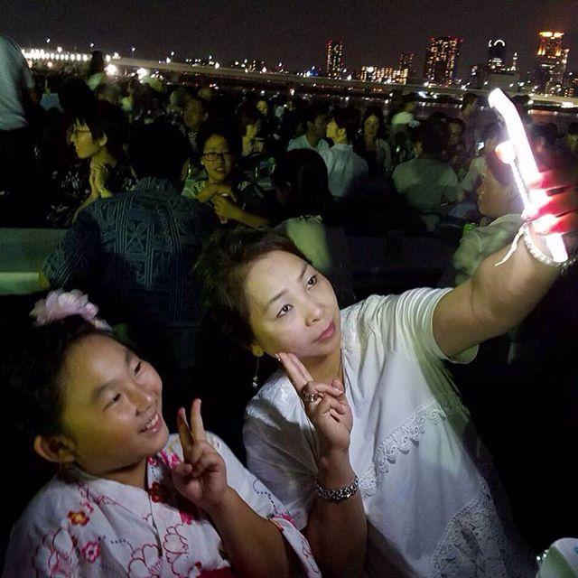 夜でもこんなに明るく♪ iFlashセルフィーライトでいつでもどこでもばっちり最高の自撮りを! 世界中で大ブレイク中セルフィライト❤️ www.iflash.jp @iflash.jp  #自撮り #iFlash #スマホケース #iPhoneケース  #LED #LEDライト #アプリ加工 #クラブ #セルフィー #自撮り女子 #キャバ嬢 #盛れる #マツコの知らない世界