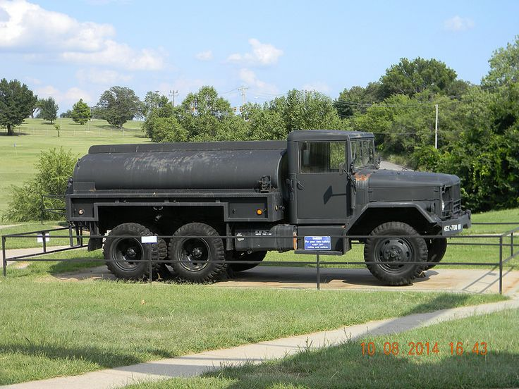 45th infantry division museum oklahoma city oklahoma m135 2 5 ton truck deuce and a half tanker. Black Bedroom Furniture Sets. Home Design Ideas