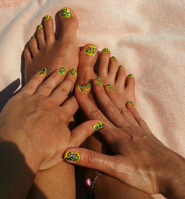 Summer Leopard nail art