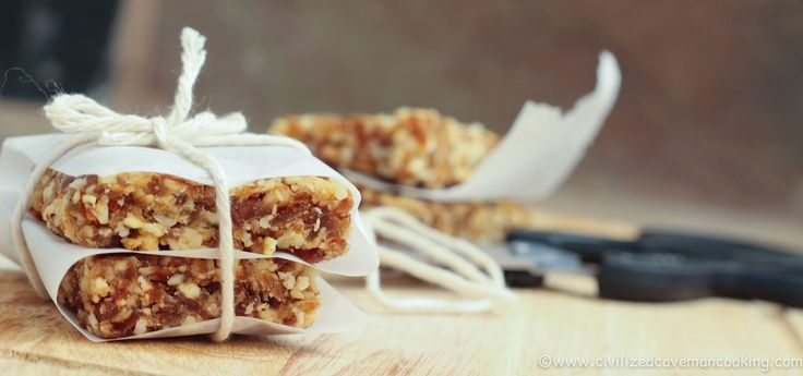Apple Pie Caveman Bars – The Foodee Project