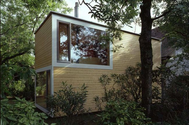 Tiny house in the woods tiny houses for Tiny house schweiz