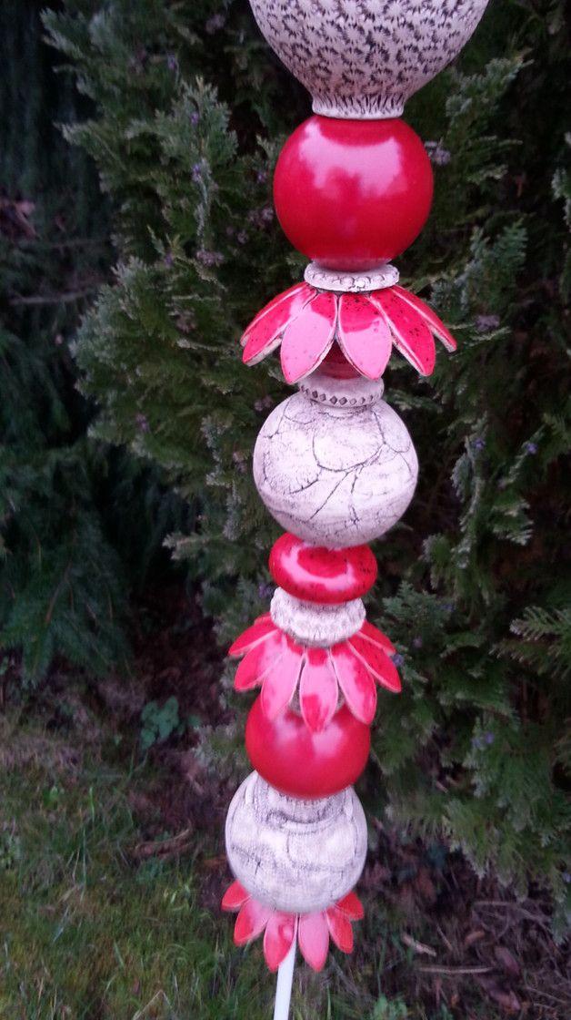 """Gartenkugeln & -stelen - """" Roter Blütentraum """" Gartenstele 16-tlg - ein Designerstück von Tonliesel bei DaWanda"""