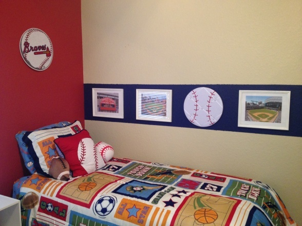 what a creative way to decorate a boys room