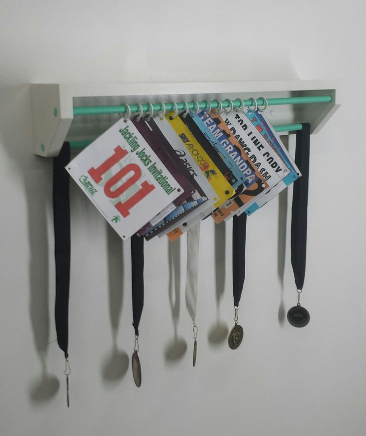 Trendy Running display for race bibs and medals-White ...