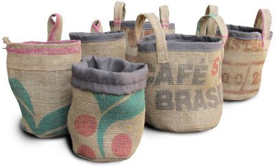 Burlap coffeebeans BASKET. By Handwerkjuffie.