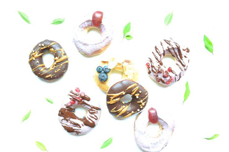 Recette de donuts healthy faciles. Comment faire des donuts sans friture, sans beure, sans lactose et sans sucre raffiné