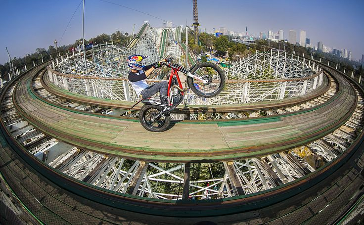 """Julien Dupont Performing During the Red Bull Roller Coaster at La Feria de Chapultepec in Mexico City, Mexico. Fabio Piva / Red Bull Content Pool <a href=""""https://www.redbullphotography.com/editors-choice/1418394385566-592473550"""">Red Bull Photography</a>"""