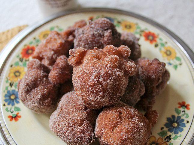 Golden Fried Apple Fritters: Sweet