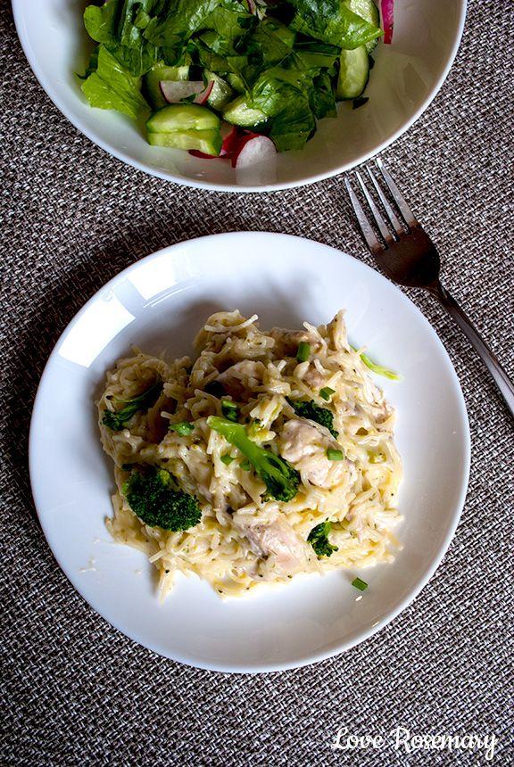 Паста с курицей, брокколи и сырным соусом