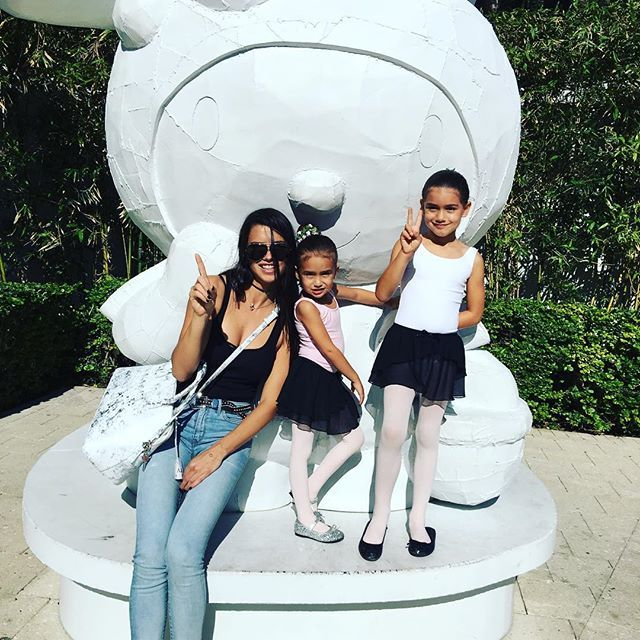 Pin for Later: 14 Model Moms You Should Follow on Instagram Adriana Lima Adriana regularly posts photos of her two girls, Valentina and Sienna Jaric.