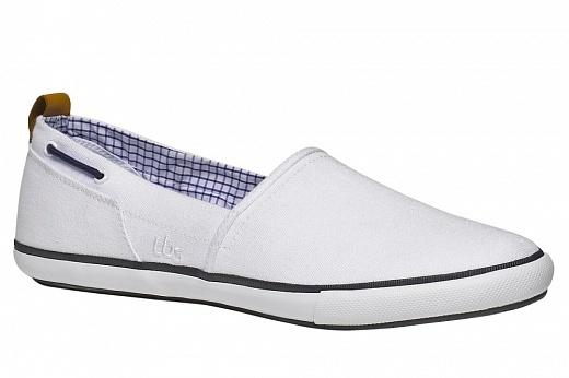 """Stylové pánské textilní kecky vmódní """"slip on"""" verzi mají nízký střih sbílou gumovou podrážkou. Uvnitř je bota podšita veselou kostičkovanou látkou."""
