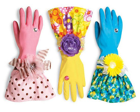 Make cleaning more fun with pretty rubber gloves