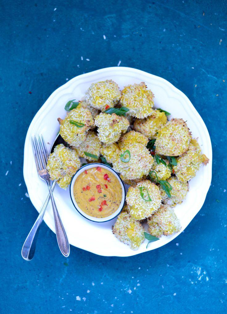 Blomkåls Hot Wings med kokos og karry og mango-chili dip
