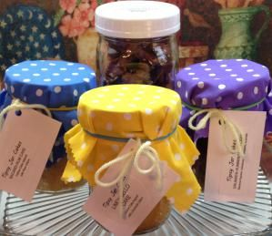 Canning Jar Cakes make the most wonderful homemade gifts. Make them today with these instructions.