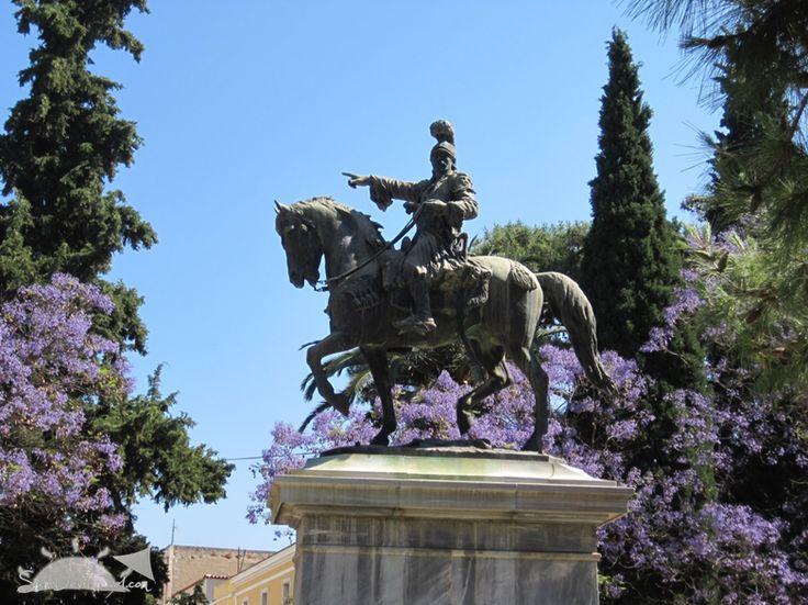Nafplio, Greece statue of Theodoros Kolokotronis || www.SunDevilTravel.com