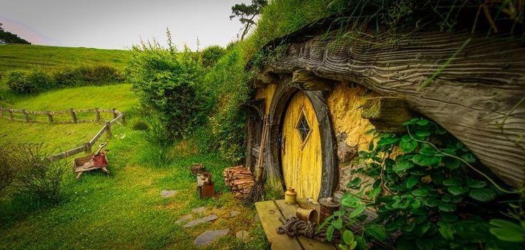 village hobbit peter jackson apologie du village hobbit symbole de larchitecture bioclimatique. Black Bedroom Furniture Sets. Home Design Ideas