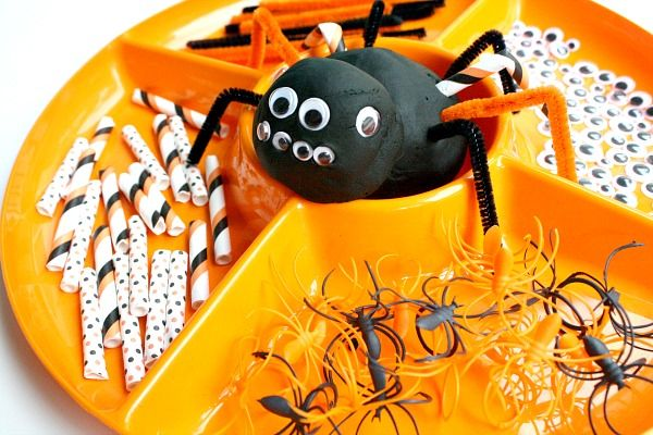 Spider Activities for Kids-Create Play Dough Spiders
