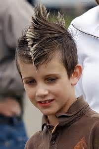 Model rambut anak laki-laki mohawk