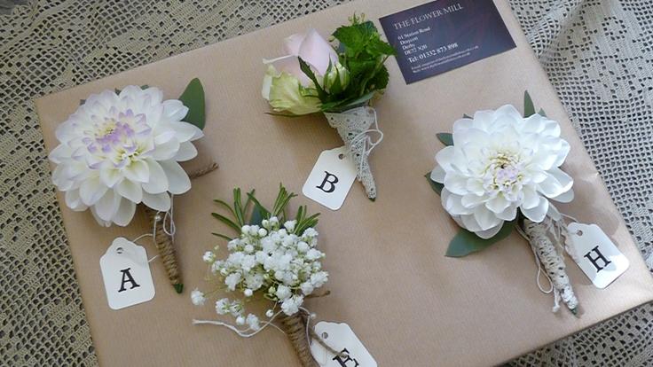 How To Make Wedding Buttonholes: Vintage Wedding Buttonholes