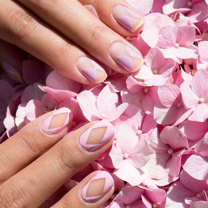 Cute Pink Nail Designs 7: Negative Space Pink Nails. Negative space nail art is surely making your nails classy and sophisticated. #pinknails #negativespacenails #nailart :@bellacures http://ift.tt/2c5mAT1