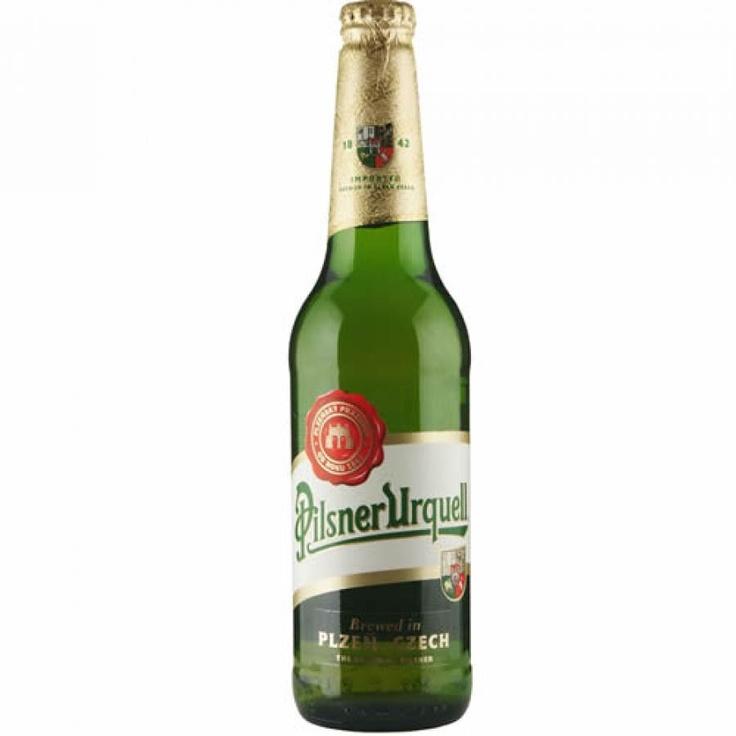 """Cerveja República Checa PILSNER URQUELL 500ml. Uma das mais famosas cervejas do mundo. Cerveja produzida na cidade de Pilsen, a quarta maior cidade da República Tcheca. Urquell significa """"fonte original"""", em alemão, língua oficial da Bohemia na época do império austríaco. - $19.25"""