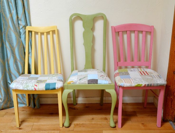 Upcycled Shabby Chic dining room chairs - use fabric scraps to recover chairs plus chalk piant to add a splash of colour to your dining room