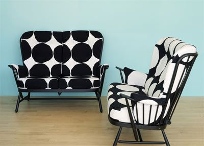 Marimekko Kivet Black and White Love Seats