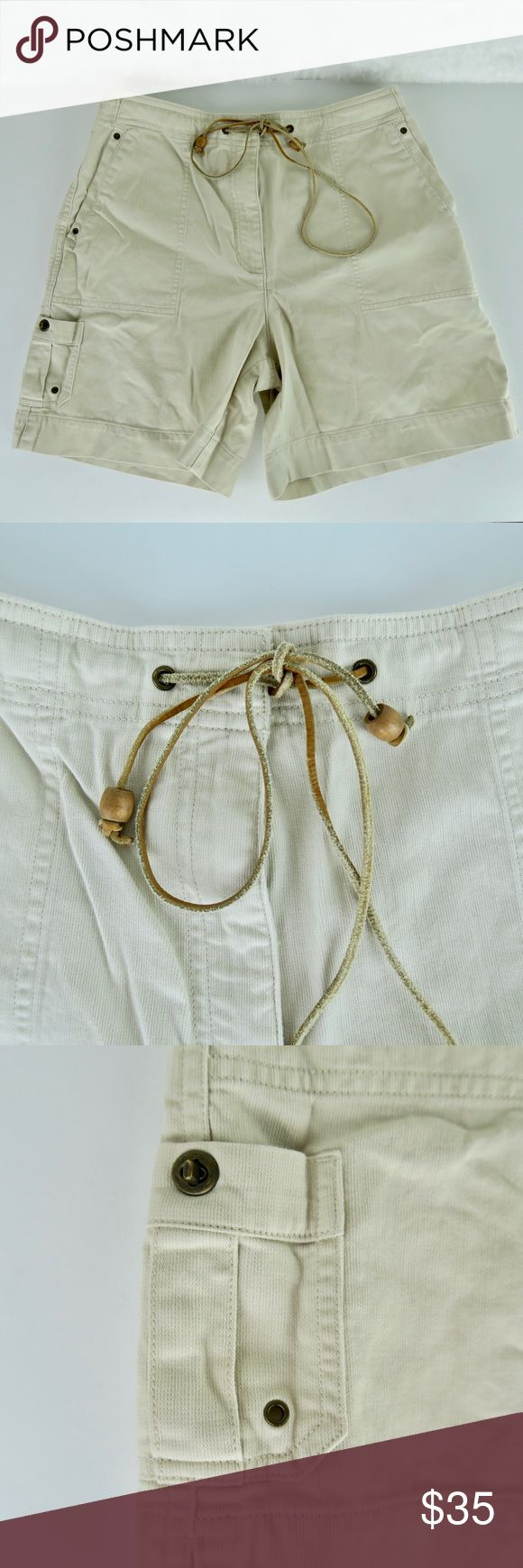 "Lauren Ralph Lauren Walking Bermuda Khaki Shorts Lauren Ralph Lauren Women's Walking Bermuda Khaki Shorts Sz 6P Petite EUC Beige Approximate Measurements Taken Flat Waist laying flat: 14.1/2"" Inseam: 6"" Rise: 11""  Please see measurements and compare to your own garment to ensure proper fit as sizing can vary between brands and lines within a brand.  Gently used with no flaws. Please see photos for exact details. Lauren Ralph Lauren Shorts Bermudas"