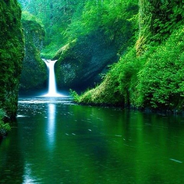Punch Bowl Falls Oregon!