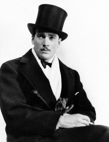 WALTER PIDGEON (1897-1984) started in theater, mainly stage musicals. Fred Astaire heard him singing at a party & got him an agent. Later he went to Hollywood in the early 1920s, where he made silent films, including Mannequin (1926) and Sumuru (1927).