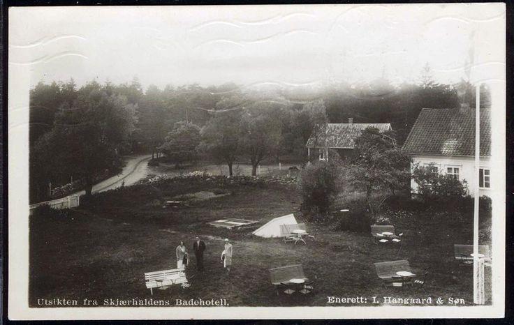 SKJÆRHALDEN / HVALER Kommune Østfold fylke Utsikt fra badehotellet. Utg I. Hangaard brukt 1946