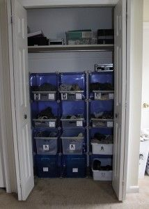 thinking about ditching the dresser in the boys' room for more room...great ideas here if you are not a perfectionist!
