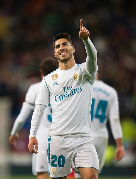 Marco Asensio of Real Madrid CF celebrates after scoring his teamÕs 2nd goal during the La Liga match between Real Madrid and Las Palmas at Estadio Santiago Bernabeu on November 5, 2017 in Madrid, Spain. #futbolrealmadrid